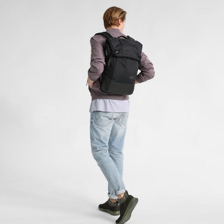 AEVOR Daypack Proof Reppu Läppäritaskulla, musta